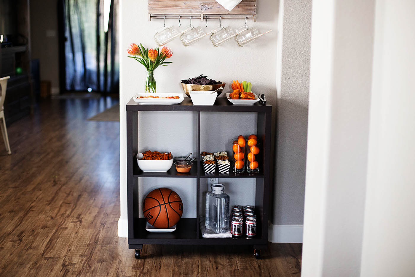 5 Easy Party Tips + March Madness!