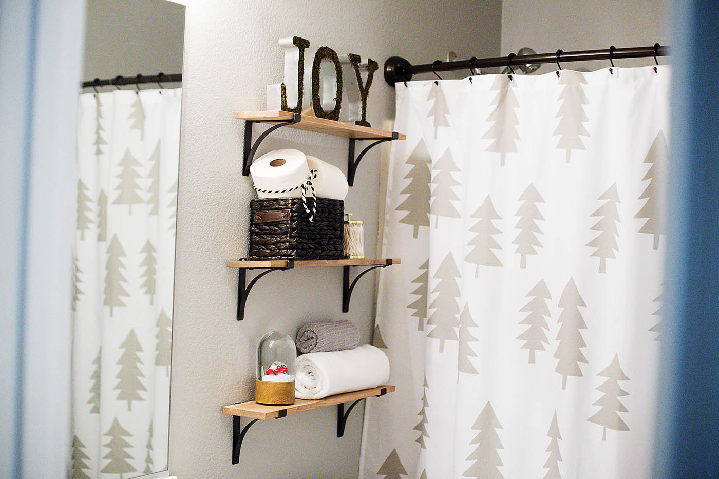 Holiday Guest Bathroom Decor All For The Memories