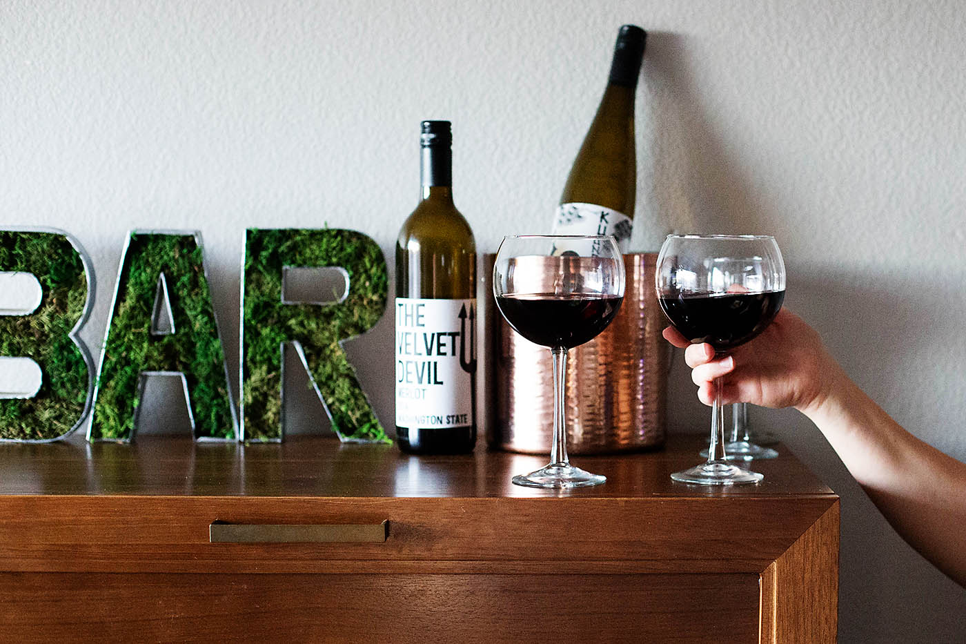 DIY mossy bar sign - so simple but a fun statement piece!